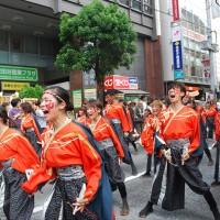 よいしょ祭り学生団体の演舞